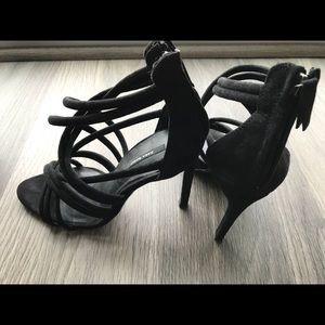 Zara Shoes - Black scrappy heels